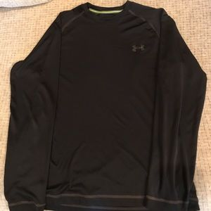 Men's Under Armour shirt. In good condition.